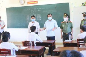 Bí thư Tỉnh ủy Quảng Nam Phan Việt Cường thị sát kỳ thi THPT