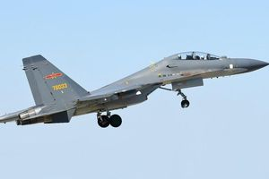 Trung Quốc cho Su-30MKK tuần tra Biển Đông liên tục 10 giờ: Bay lấy thành tích?