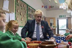 Thủ tướng Anh: Khôi phục việc giảng dạy bình thường là ưu tiên quốc gia
