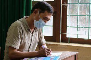 Đắk Nông: Chủ tịch Hội Cựu chiến binh 53 tuổi đi thi tốt nghiệp THPT