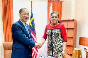 Đại sứ Việt Nam tại Ba Lan Nguyễn Hùng chào xã giao các Đại sứ ASEAN tại Ba Lan