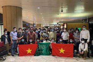 Hơn 270 công dân Việt Nam từ Síp và Arab Saudi về nước an toàn