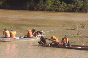 Tìm kiếm người đàn ông mất tích khi đánh cá trên sông Lam
