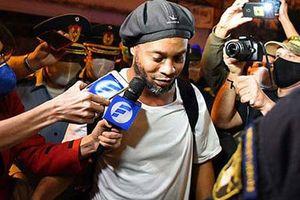 Ronaldinho được trả tự do sau 5 tháng ngồi tù