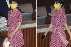 Nữ nghị sĩ Hàn Quốc mặc váy ngắn đi họp, bất chấp tất cả những lời gièm pha