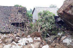 Sơn La: Lở đá ở thành phố làm 2 người thương vong