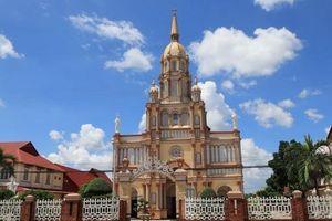 Thăm thánh đường xưa ở xứ cù lao
