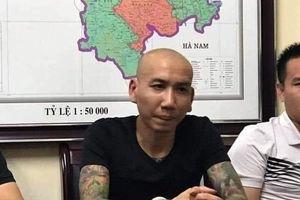 'Giang hồ mạng' Phú Lê khai nhận sai đàn em đánh Đào Chile vì mâu thuẫn với vợ mình