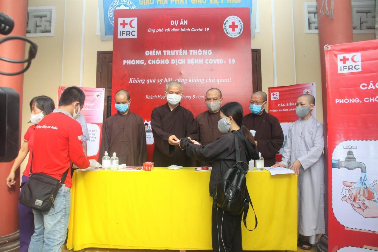 Phật giáo Khánh Hòa hiến máu nhân đạo trong mùa dịch