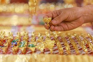 Giá vàng hôm nay 9/8: Vàng giảm nhẹ sau một tuần tăng tốc