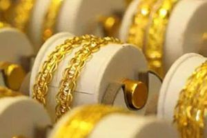 Sau 2 ngày cuối tuần, giá vàng 'bốc hơi' gần 5 triệu đồng/lượng