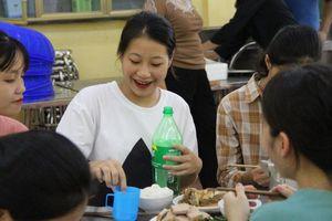 Tiếp sức mùa thi từ những bữa cơm ngọt bùi ở vùng cao xứ Thanh