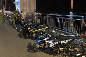 Xử lý 8 tay xế Suzuki rủ nhau đua kéo