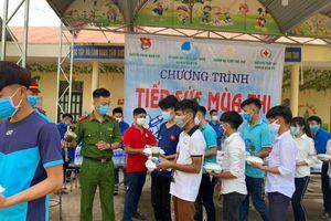 Gần 2000 suất ăn miễn phí tiếp sức mùa thi tại Nậm Pồ trong kỳ thi tốt nghiệp