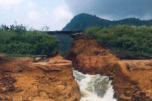 Hồ chứa thủy lợi với nguy cơ tiềm ẩn 'quả bom nước' trong mùa mưa bão
