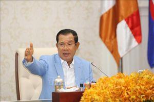 Thủ tướng Campuchia kêu gọi các nước từng bước mở cửa trở lại