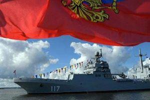 Quan chức ngán, dân chúng Anh nể phục hạm đội Nga