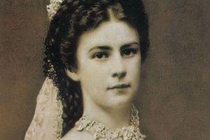 Bi kịch của Hoàng hậu đẹp nhất châu Âu: Cuối đời bị kẻ lạ ám sát