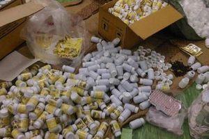 Tận thấy quy trình sản xuất thuốc tân dược thực phẩm chức năng giả ở TP.HCM
