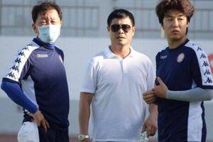 Đội bóng của Công Phượng có pha 'bẻ lái' gây sốc với HLV Hàn Quốc