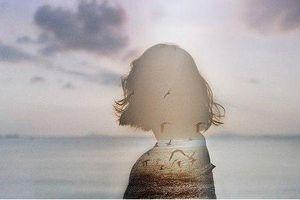 Nước mắt ai chẳng có. Chỉ khác là ai khóc, ai nuốt ngược vào trong...