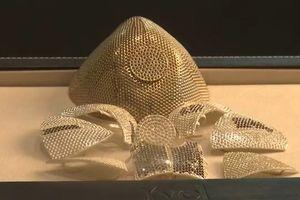 Hé lộ thông tin chủ nhân chiếc khẩu trang làm bằng vàng và kim cương trị giá 1,5 triệu USD đắt nhất thế giới