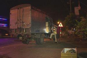 Chặn xe tải vận chuyển 67.000 khẩu trang không rõ nguồn gốc giữa mùa dịch Covid-19