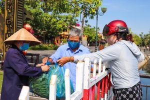Quảng Nam hỗ trợ tiền cho người dân ở khu vực phong tỏa