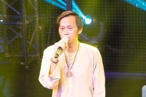 Hoài Linh bán bài thơ giá 700 triệu đồng để chống dịch Covid-19