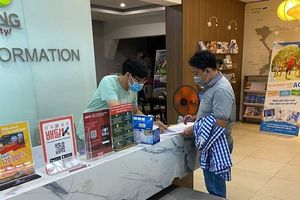 1.453 du khách được tặng quà, thư cảm ơn khi rời Đà Nẵng
