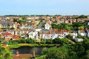 Ngỡ ngàng bên trong những thị trấn đẹp nhất nước Anh