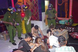 19 đối tượng 'mở tiệc' ma túy trong quán karaoke