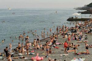 Nga nới lỏng kiểm soát dịch bệnh, gần 1,5 triệu du khách đổ tới Crimea