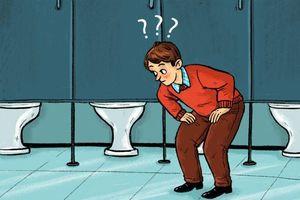 9 lý do giải thích vì sao cửa nhà vệ sinh công cộng không chạm sàn