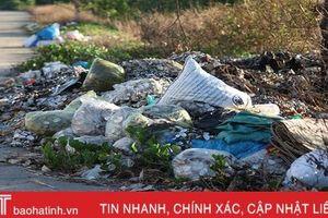 Nhếch nhác trên tuyến đê phía Bắc thành phố Hà Tĩnh
