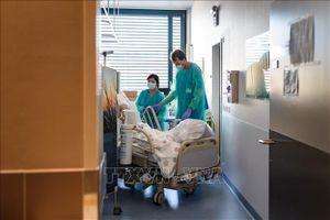 Thụy Sĩ mua quyền tiếp cận thuốc điều trị COVID-19 tiềm năng