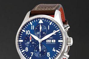 Đồng hồ mặt số màu xanh