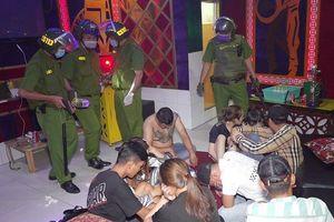 Quản lý, nhân viên của quán karaoke cùng khách 'mở tiệc' ma túy
