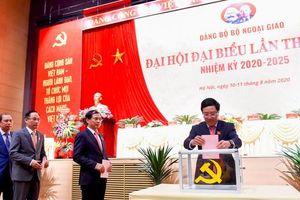 Phát huy vai trò của Đảng trong hoạt động ngoại giao