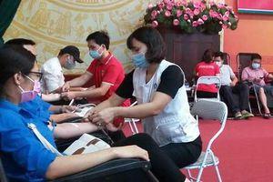 Supe Lâm Thao: Gần 400 lao động tham gia hiến máu cứu người
