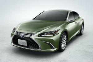 Lexus ES 300h 2021 tiết kiệm nhiên liệu hơn với pin lithi-ion