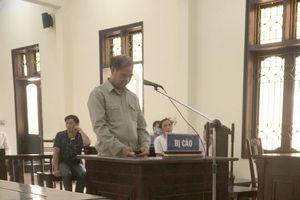 Tòa bác kháng cáo, y án 8 năm tù cho hiệu trưởng xâm hại nam sinh ở Phú Thọ