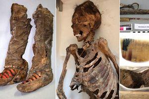 Cực nóng: Phát hiện xác ướp 1.000 tuổi đi giày 'Adidas'