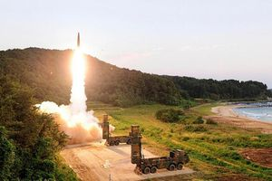 Sức mạnh tên lửa đạn đạo chiến thuật Hyunmoo-4 mới nhất của Hàn Quốc