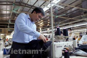 Standard Chartered cung cấp 2,7 triệu USD hỗ trợ May Bắc Giang LGG