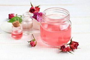 Mụn biến mất hoàn toàn bằng công thức đơn giản với nước hoa hồng