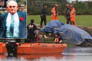 Phát hiện thi thể người đàn ông mất tích gần 30 năm trong ô tô dưới sông