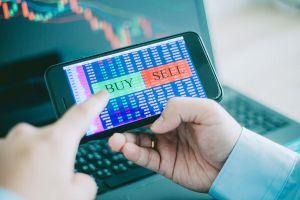 Thị trường chứng khoán: Tiền chờ cơ hội chín