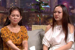 Người mẫu Mai Ngô: Mẹ bảo, ba thấy tôi không giống ba nên bỏ đi