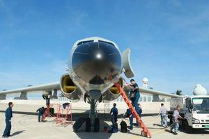 Máy bay ném bom H-6J Trung Quốc đậu ở đảo Phú Lâm